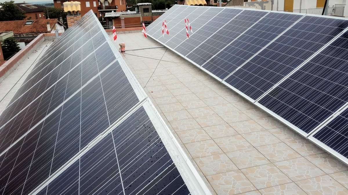 Sistemi fotovoltaici (FV) – Prescrizioni per le prove, la documentazione e la manutenzione